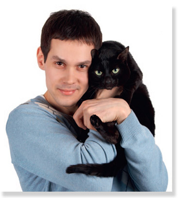 Man holding a cat