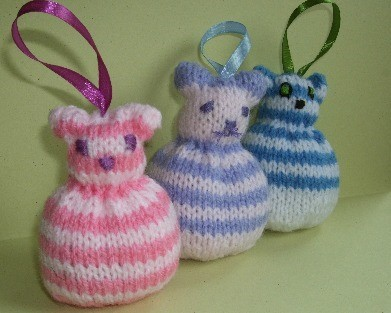 Knitting Pattern Lavender Bag : KNITTED CAT LAVENDER BAG PATTERN