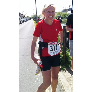 Alayne runs 145 miles again to raise money for moggies ...