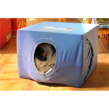 Get crafty with our handmade cat tent