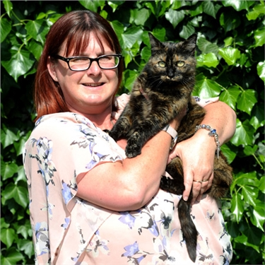 Puss who raised the alarm as fire engulfed family home scoops Cats Protection's National Cat of the Year 2016 award