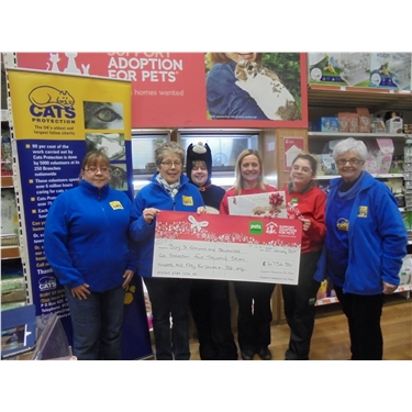 Fantastic cheque from Pets at Home/Support Adoption for Pets