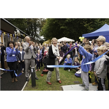 Dame Penelope Keith officially re-opens Cats Protection