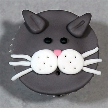 Cat face cupcakes - Kitty Bakes episode three