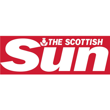 The Scottish Sun - 9 October 2017 - Claws encounter