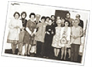 Photo of volunteers in 1977